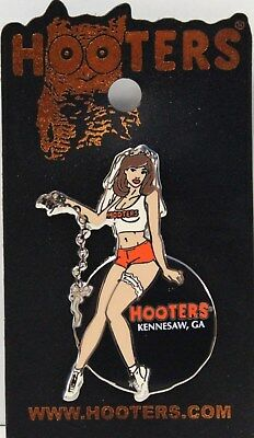 KENNESAW, GA - HOOTERS SEXY GIRL'S BACHELORETTE PARTY BALL AND CHAIN LAPEL PIN