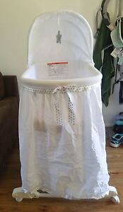 Bassinet with stand Tingalpa Brisbane South East Preview
