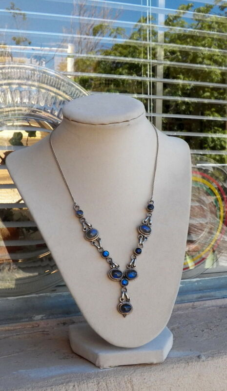 Pretty Sterling Silver 925 Labradorite Feminine Choker Necklace