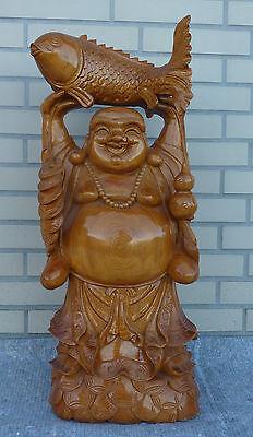 Asiatika Buddha hält Koi Karpfen Buddhismus Holz Skulptur 72 cm Brotkarpfen