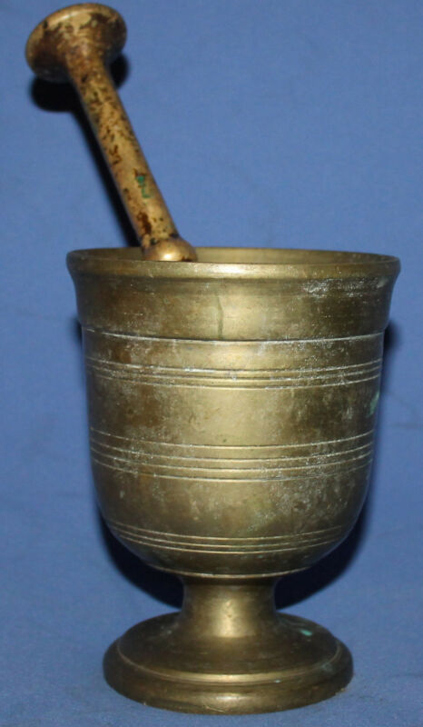 ANTIQUE HAND MADE BRASS MORTAR & PESTLE