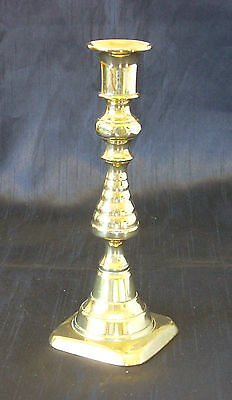 VICTORIAN BRASS CANDLESTICK - RIBBED BALUSTER