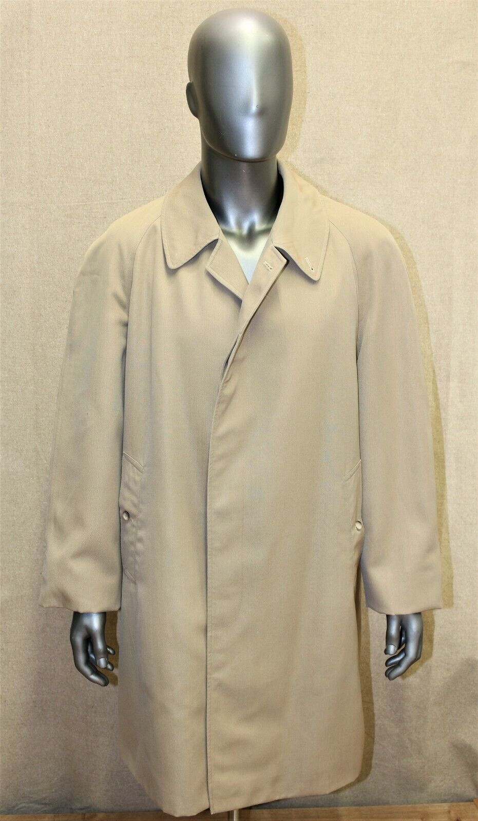 Trench imperméable burberry's vintage 70's raglan 54 short beige made in england