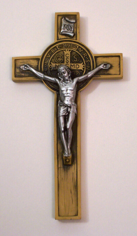 SAINT BENEDICT WALL CRUCIFIX CROSS CATHOLIC JESUS PRAYER RESIN/WOODTONE