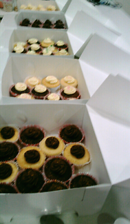 24 Cupcakes just $25