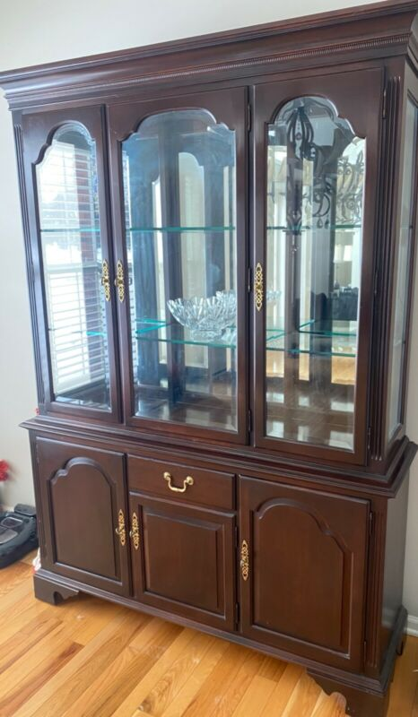 Ethan Allen China Cabinet Cherry Used