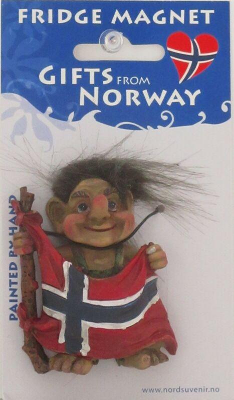 NEW SCANDINAVIAN GREEN PANTS TROLL HOLDING NORWEGIAN FLAG IN FRONT MAGNET NORWAY