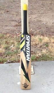 Spartan Junior Cricket Bat - Size 4