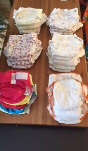 Couches lavables 26 + accessoires / 26 washable diapers + ***