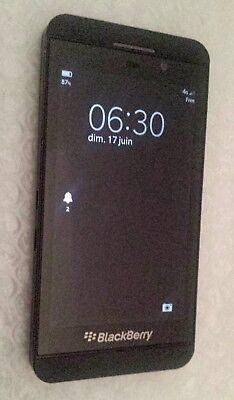 Téléphone Smartphone 4G -16Go BlackBerry Z10 noir boite débloqué tous opérateurs