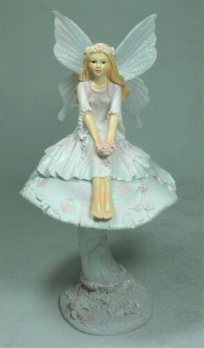 Figurine Pink Fairy on a Mushroom 25cm Poly Resin FAIPMUL New in Box Silk Wings