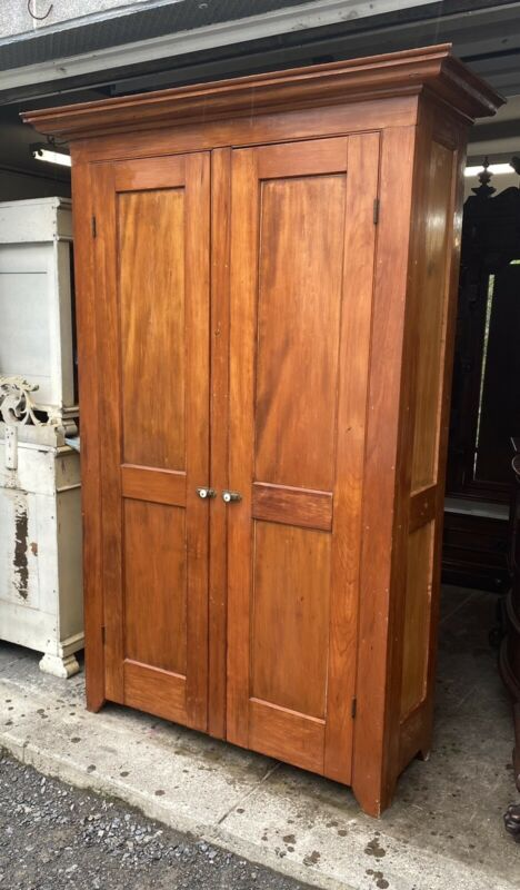 LARGE 18th c. EARLY PINE 2 DOOR CUPBOARD