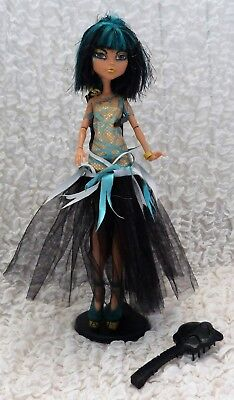 poupée MONSTER HIGH CLEO DE NILE HALLOWEEN BCH88