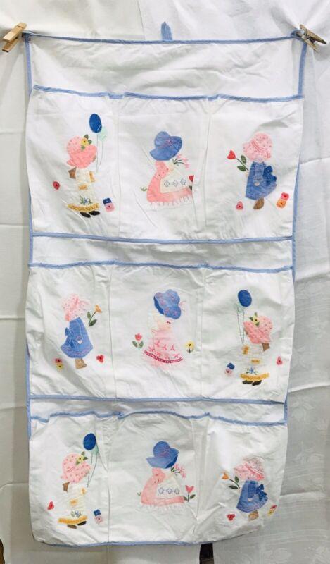 Vintage Sunbonnet Sue Handmade Hanging Storage Pockets Organizer Cloth Blue Trim