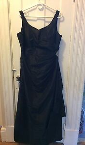 Long formal prom or bridesmaid dress size18