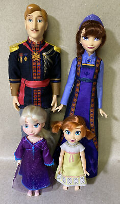 Disney Frozen 2 Arendelle Royal Family Doll Set