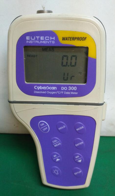 10490 EUTECH INSTRUMENTS DISSOLVED OXYGEN/C/F DATA METER CYBERSCAN DO 300
