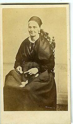 PHOTO CDV vintage albumen portrait d'une femme avec des pièces ou des jetons