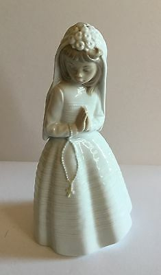 FIRST COMMUNION GIRL PRAYING PORCELAIN FIGURINE NAO BY LLADRO #236