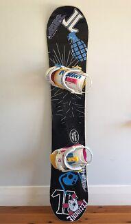 Technine Snowboard with Union Bindings