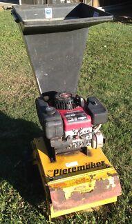 Mulcher / Chipper : Greenfield Piecemaker 8.5 hp Landsborough Caloundra Area Preview
