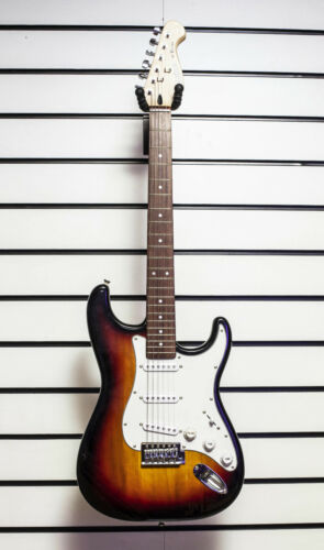 Crafter ST-12 Electric Guitar Strat Style Sunburst Vintage Design Tremolo - X31