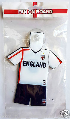 ENGLAND FOOTBALL TEAM Soccer Gear Kit Uniform FAN ON BOARD Suction Window Hanger