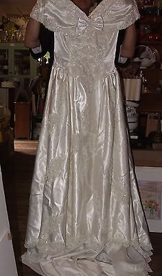 1980s Sweetheart Gowns Wedding Bridal Dress Beaded Pearls Sz 6-8 Headpiece Veil