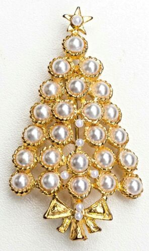 Unique Vintage Pearl Gold tone Christmas Holiday Tree Brooch / Pin.