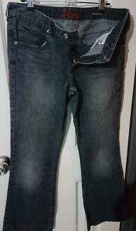 Jeans - Levis Size 460 (14)