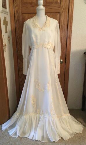Elegant True Vintage 1970s  Ivory Chiffon & Lace Wedding Dress with Short Train