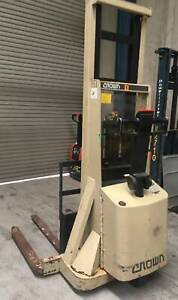 Electric Stacker - Crown 20MT130A Kings Park Blacktown Area Preview