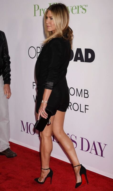 Jennifer Aniston In Black Short 8x10 Photo Print
