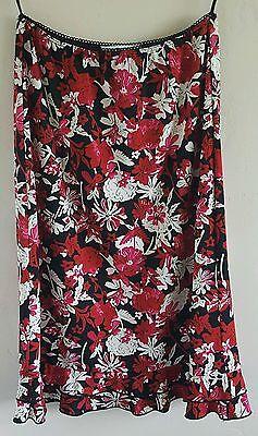 La Belle Floral Skirt (La Belle Floral Skirt Large Black Red White Flowers Elastic Waist Modest  )