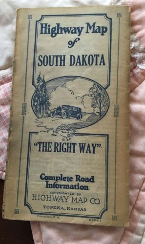 South Dakota Road Map -Fold Out Highway Map Co, Topeka Kansas USA D 03911~AS IS