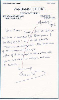 Van Florence Van (Broadway Photographer Florence Vandamm 1956 Autogramm nach Jean Dalrymple)