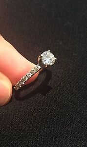 18K WHITE GOLD ENGAGEMENT RING -- Best Price--  Cambridge Kitchener Area image 8