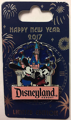 Disneyland Oswald the Lucky Rabbit Happy New Year 2017 Spinner LE Disney Pin