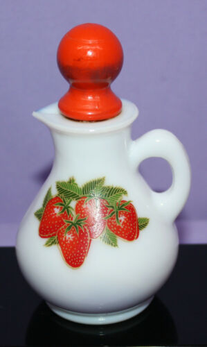 Vintage Avon Milk Glass Pitcher Strawberries & Cream Bath Foam ~ 4 oz. ~ Full