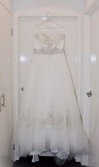 Wanted: Ball gown wedding dress