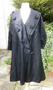 STUNNING TRUE VINTAGE VICTORIAN BLACK SATIN OPERA LONG SWING COAT CAPE 12 14