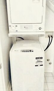 Excellent working  GE washer / dryer set  (apartment size )