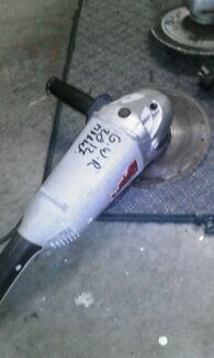 #OZITO HARDLY USED 9 INCH ANGLE GRINDER!! forced sale unfortunate Holland Park Brisbane South West Preview