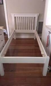 White single bed (missing slats) Melton South Melton Area Preview
