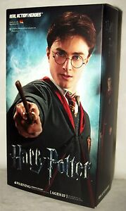 SIDESHOW-MEDICOM-HARRY-POTTER-MOVIE-RAH-12-1-6-ACTION-FIGURE-WIZARD