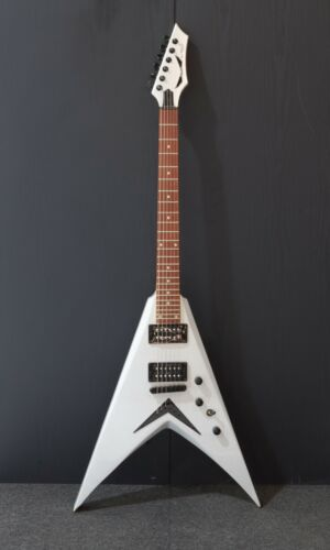 Dean V Dave Mustaine, Metallic Silver-DAMAGED-RRP £269