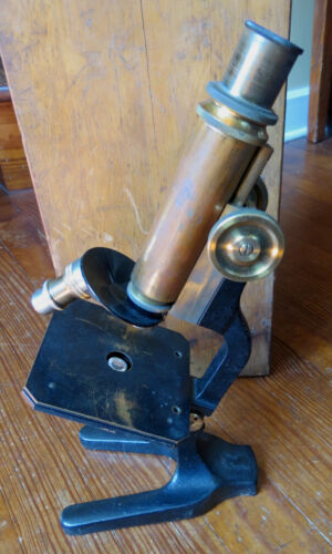 ANTIQUE BRASS MICROSCOPE WITH WOODEN CASE
