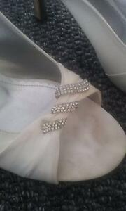 IVORY BRIDE/BRIDAL HEELS WITH STRAP AT BACK & TOE DECORATION Newcastle Newcastle Area Preview