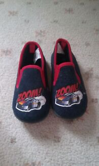 Boys slippers- almost new Altona Meadows Hobsons Bay Area Preview