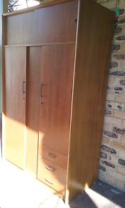Wardrobe Cabinet Currimundi Caloundra Area Preview